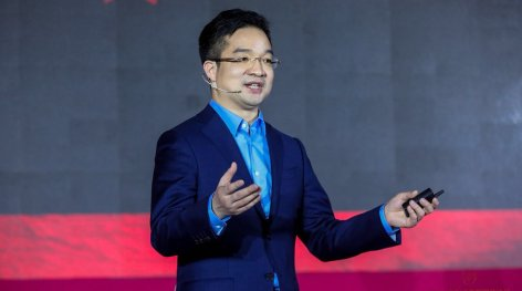 how China's ecommerce giant JD.com understand Fashion Retail? Interview with President of JD.com Fashion & Lifestyle